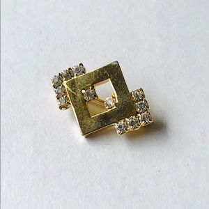 Small Vintage Gold Tone Clear Crystal Brooch